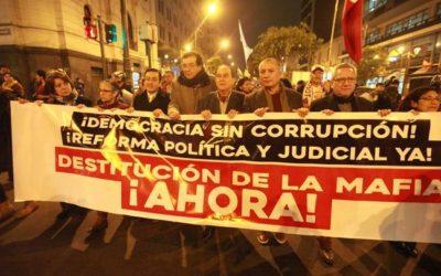 COLEGIOS PROFESIONALES SE MOVILIZARON CONTRA LA CORRUPCIÓN EN EL CONSEJO NACIONAL DE LA MAGISTRATURA (CNM) Y EL PODER JUDICIAL